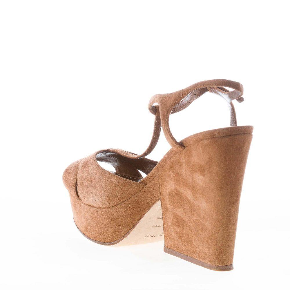 94258ac99a06e1 SERGIO ROSSI donna sandalo Edwige in camoscio CUOIO con cinturino a T e  plateau. Tacco zeppa 13 cm